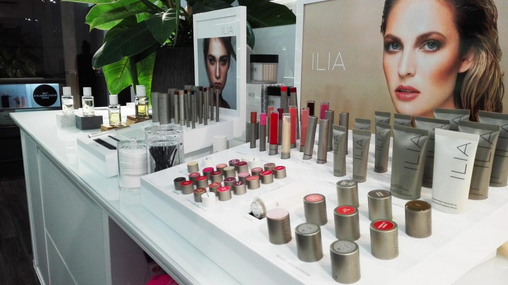 Espositore Ilia Beauty the beautyaholic's shop