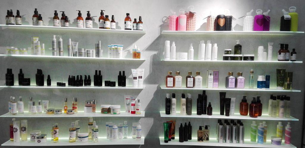 esposizione prodotti the beautyaholic's shop