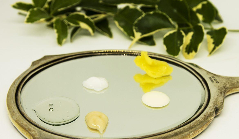 Come detergere il viso e come scegliere i prodotti giusti